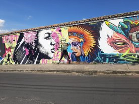 I really don´t know how to act when I see these murals!